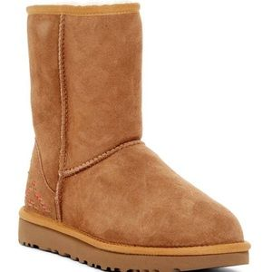 Ugg classic suede shearling boot NWB size 8